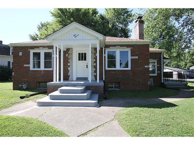111 Harding, Collinsville, IL 62234 (#17050239) :: Holden Realty Group - RE/MAX Preferred