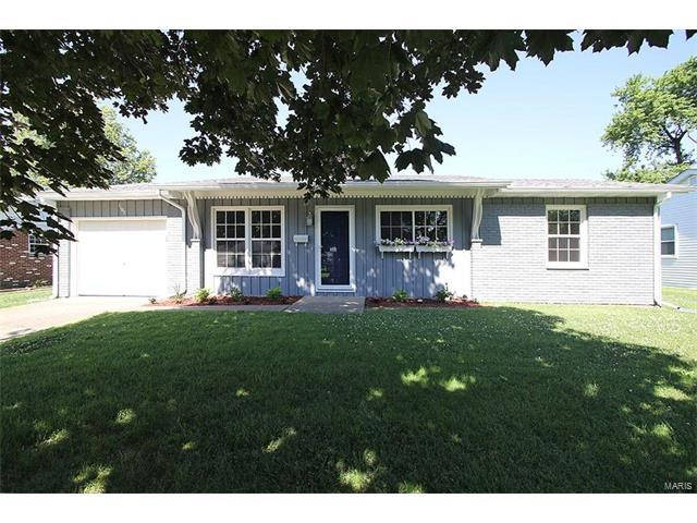 1107 Ridge Avenue, Collinsville, IL 62234 (#17050242) :: Holden Realty Group - RE/MAX Preferred