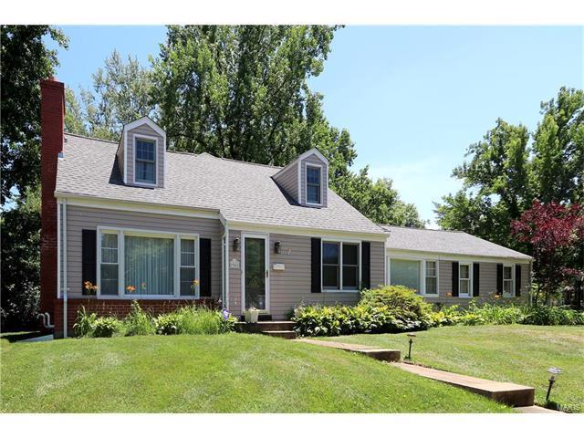 946 Woodgate Drive, Kirkwood, MO 63122 (#17050298) :: Johnson Realty