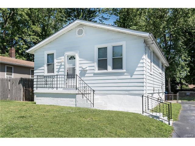 229 W Arlee Avenue, St Louis, MO 63125 (#17050595) :: Clarity Street Realty