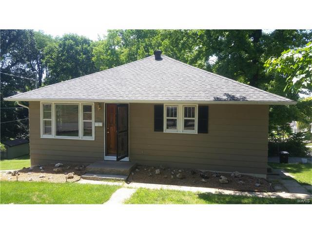1011 Edwards, Collinsville, IL 62234 (#17050607) :: Holden Realty Group - RE/MAX Preferred
