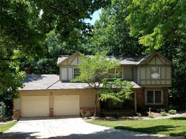 1342 Bridge Creek, Ellisville, MO 63021 (#17050632) :: The Kathy Helbig Group