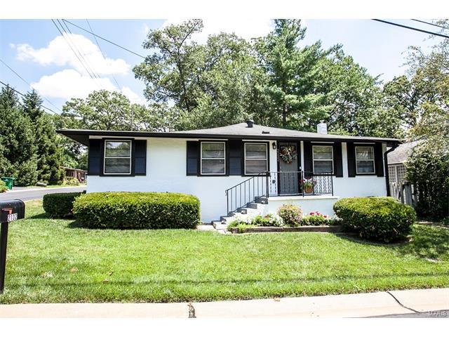 2132 Oak Drive, St Louis, MO 63131 (#17050688) :: Gerard Realty Group