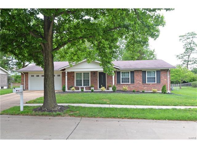 1705 Heffington, Chesterfield, MO 63017 (#17050691) :: Johnson Realty