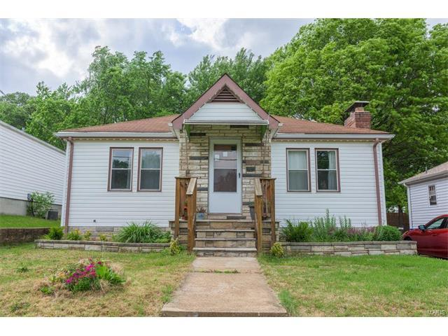 8719 South Grand Avenue, St Louis, MO 63125 (#17050704) :: Clarity Street Realty