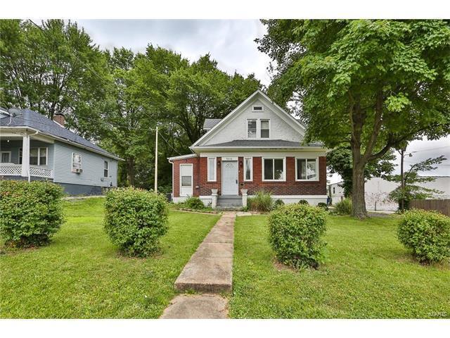 9246 Argyle Avenue, St Louis, MO 63114 (#17050797) :: Johnson Realty