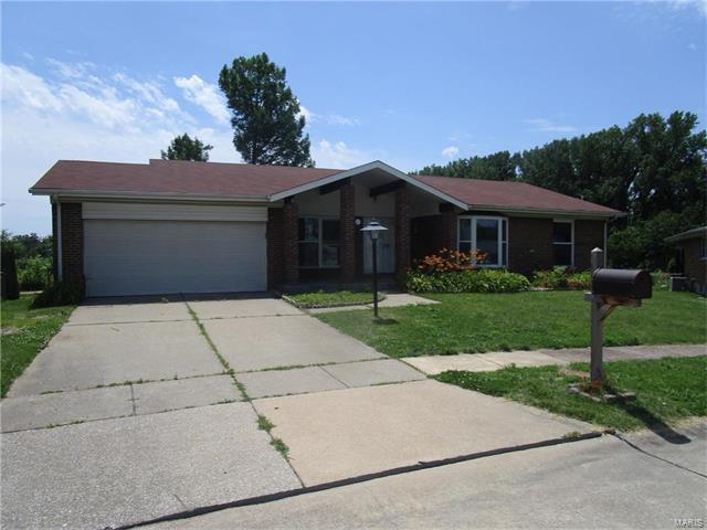 3554 Monsols Drive, Florissant, MO 63034 (#17050859) :: Clarity Street Realty