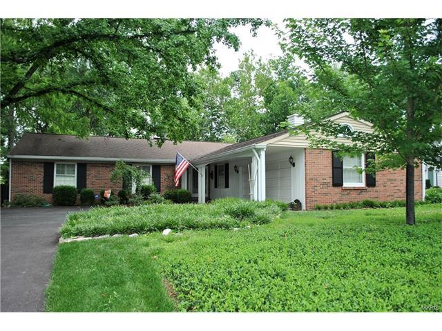 1066 S Geyer Road, St Louis, MO 63122 (#17050879) :: Clarity Street Realty