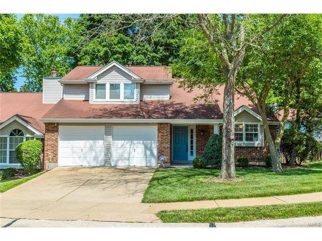 1015 Woodlake Village Drive, St Louis, MO 63141 (#17050884) :: Johnson Realty