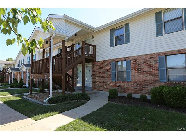 1243 Cliffridge Lane, Valley Park, MO 63088 (#17050910) :: The Becky O'Neill Power Home Selling Team