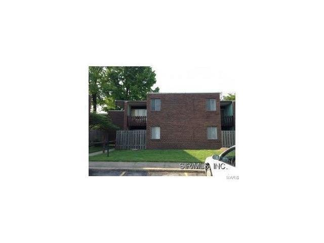 121 St. Louis Road #3, Collinsville, IL 62234 (#17051128) :: Holden Realty Group - RE/MAX Preferred