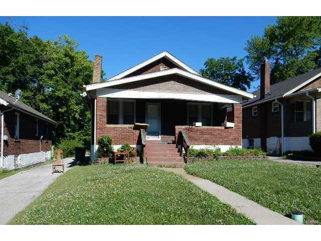 3335 Oakdale Avenue, St Louis, MO 63121 (#17051265) :: The Becky O'Neill Power Home Selling Team