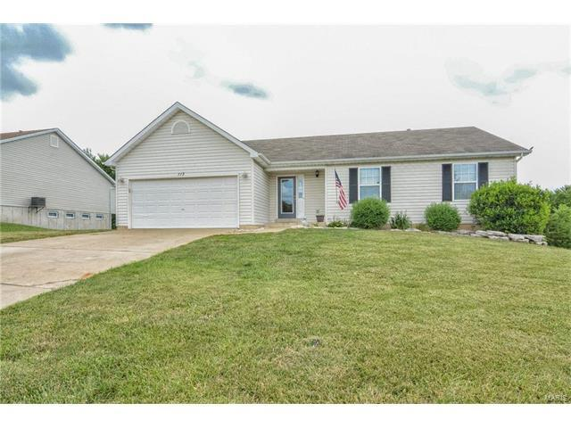 113 W Park Circle, O Fallon, MO 63366 (#17051324) :: Holden Realty Group - RE/MAX Preferred