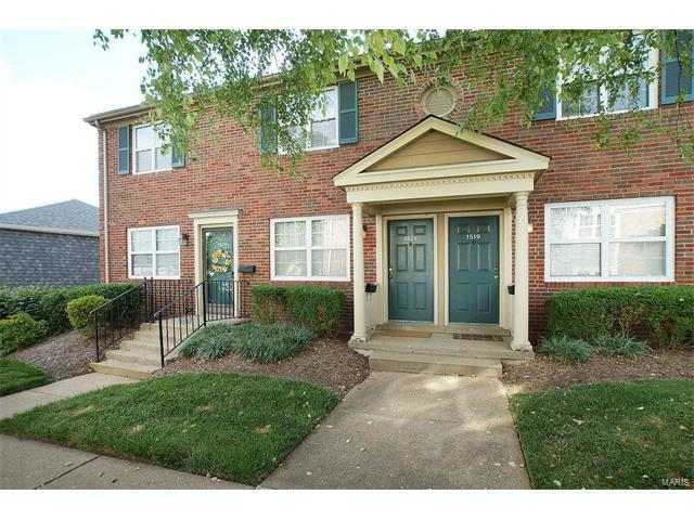 1521 Oriole Lane, St Louis, MO 63144 (#17051619) :: Gerard Realty Group