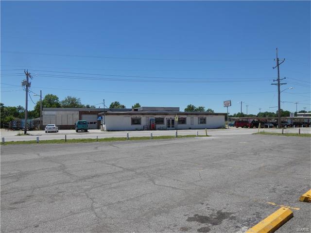228 E Edwardsville, Wood River, IL 62095 (#17052516) :: Fusion Realty, LLC