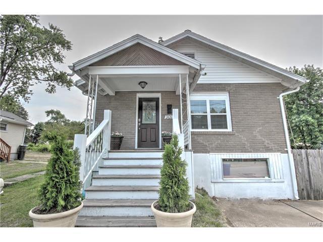 2426 E Milton Avenue, St Louis, MO 63114 (#17054913) :: Clarity Street Realty
