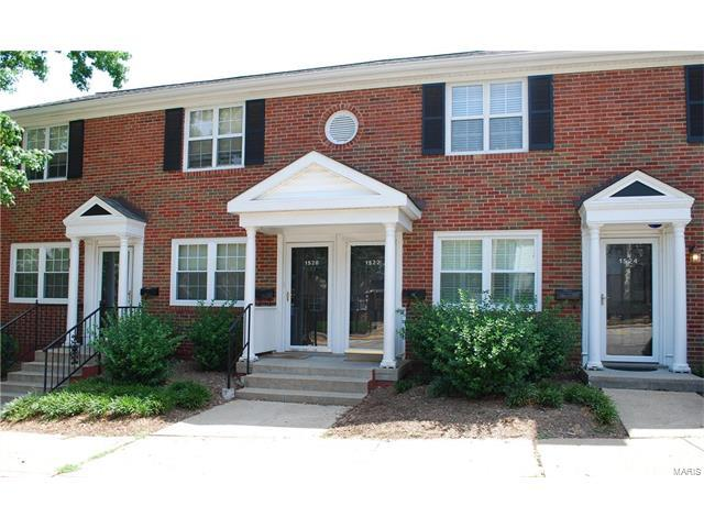1522 Swallow Drive, St Louis, MO 63144 (#17056090) :: Gerard Realty Group