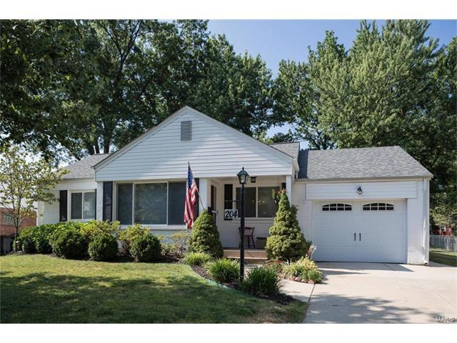 204 Cannonbury Drive, Webster Groves, MO 63119 (#17056744) :: Gerard Realty Group