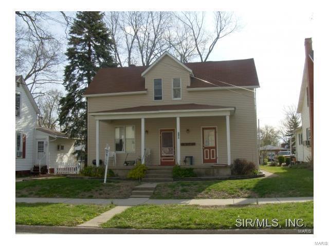 715 Pine Street, Highland, IL 62249 (#17056844) :: Clarity Street Realty