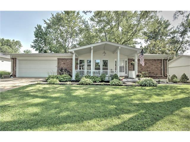 15724 Hill House Road, Chesterfield, MO 63017 (#17057855) :: Gerard Realty Group
