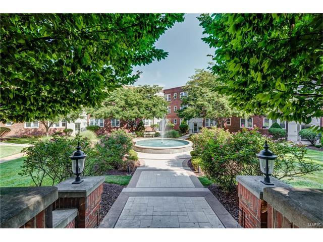 7741 Kingsbury Boulevard #32, Clayton, MO 63105 (#17057897) :: St. Louis Finest Homes Realty Group