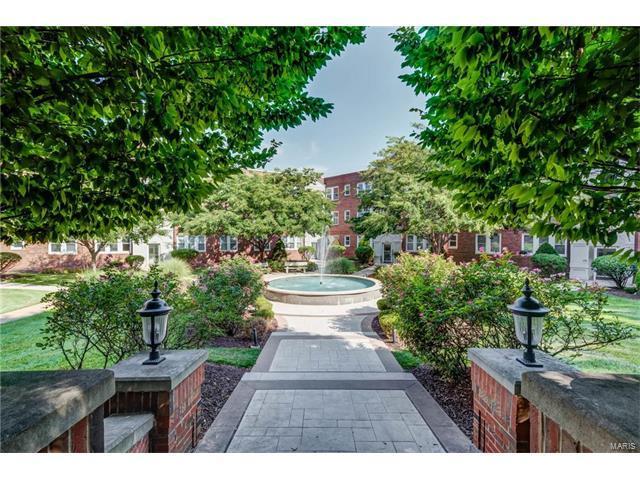 7741 Kingsbury Boulevard #32, Clayton, MO 63105 (#17057897) :: Clarity Street Realty
