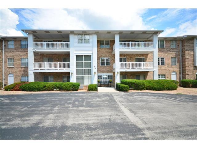 920 Guelbreth #207, St Louis, MO 63141 (#17057910) :: Gerard Realty Group