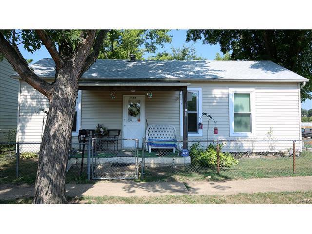 100 E 3rd Street, De Soto, MO 63020 (#17058321) :: Clarity Street Realty