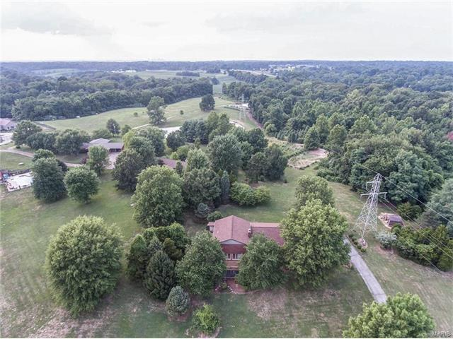 6101 Town Hall Road, Belleville, IL 62223 (#17058857) :: Fusion Realty, LLC