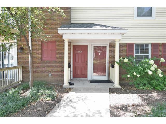 9037 N Swan Circle, St Louis, MO 63144 (#17059133) :: The Kathy Helbig Group