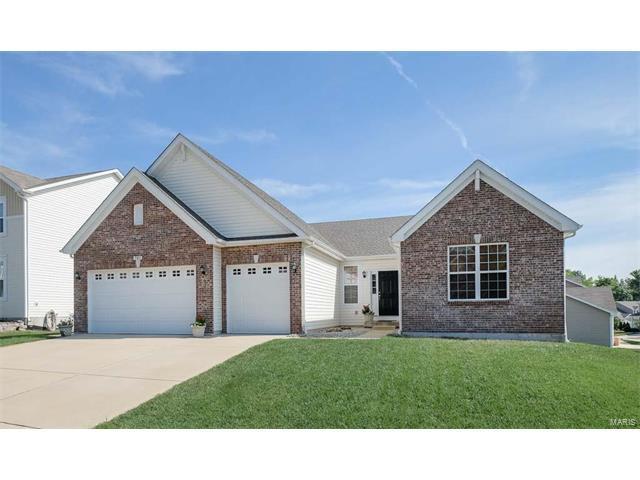 982 Wellington Woods Ct, Eureka, MO 63025 (#17059244) :: The Becky O'Neill Power Home Selling Team