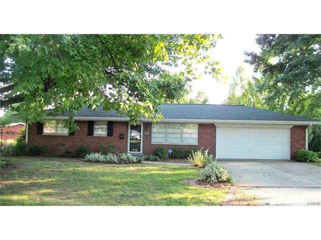 100 Blue Ridge Drive, Belleville, IL 62223 (#17059723) :: Fusion Realty, LLC