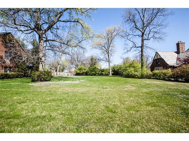 19 Lake Forest Drive, Richmond Heights, MO 63117 (#17060960) :: Clarity Street Realty