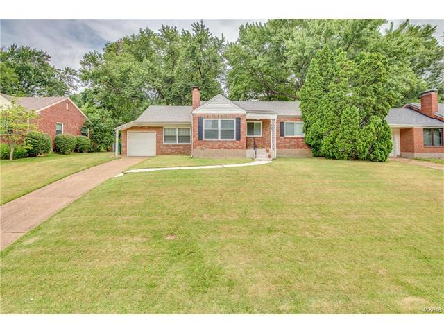 649 Cannonbury Drive, Webster Groves, MO 63119 (#17061358) :: Clarity Street Realty