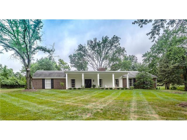 3 Woods Hill Drive, Town and Country, MO 63017 (#17062491) :: RE/MAX Vision