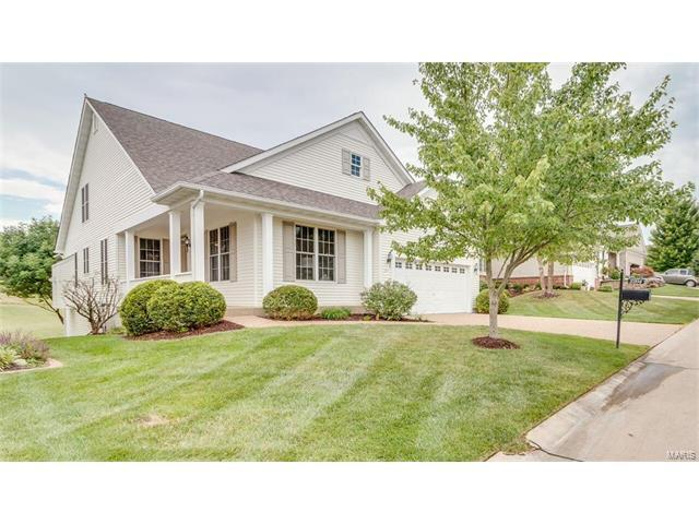2204 Hawks Landing Drive, Lake St Louis, MO 63367 (#17062877) :: The Kathy Helbig Group