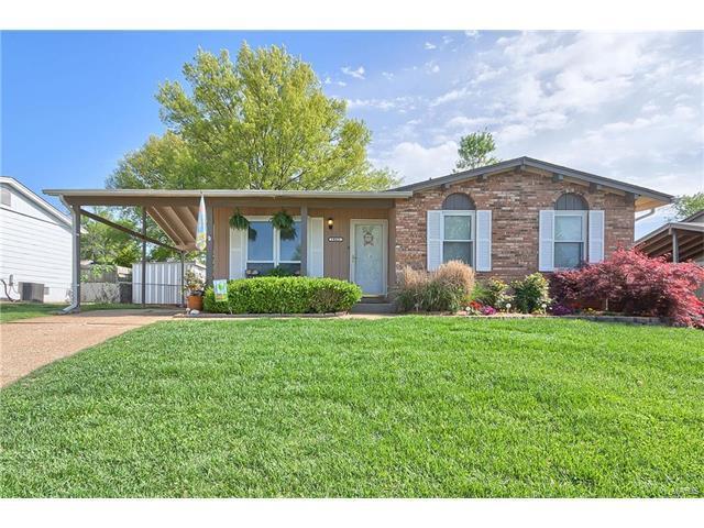 1865 San Pedro Lane, Fenton, MO 63026 (#17062947) :: The Becky O'Neill Power Home Selling Team