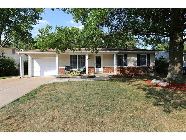 1805 San Luis Rey Parkway, Fenton, MO 63026 (#17063361) :: The Becky O'Neill Power Home Selling Team