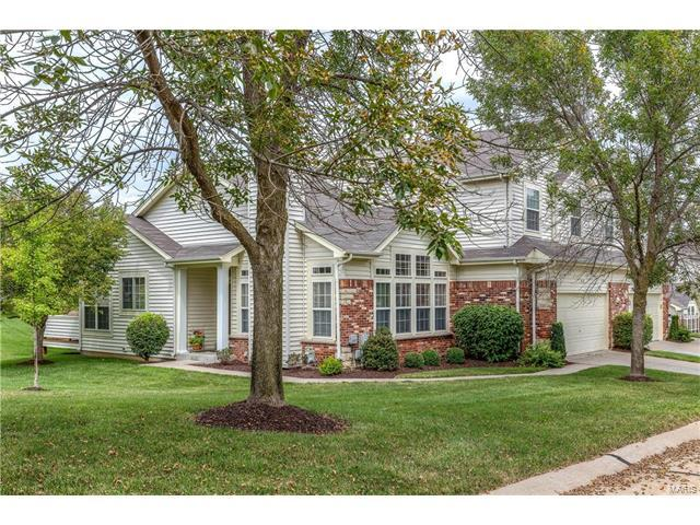 856 Stone Meadow Drive, Chesterfield, MO 63005 (#17063497) :: The Kathy Helbig Group