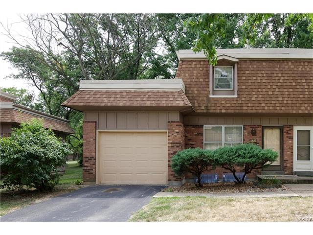 11856 Charlemagne Drive, Maryland Heights, MO 63043 (#17063784) :: RE/MAX Vision