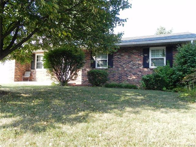 124 Timber Drive, Swansea, IL 62226 (#17063979) :: Holden Realty Group - RE/MAX Preferred