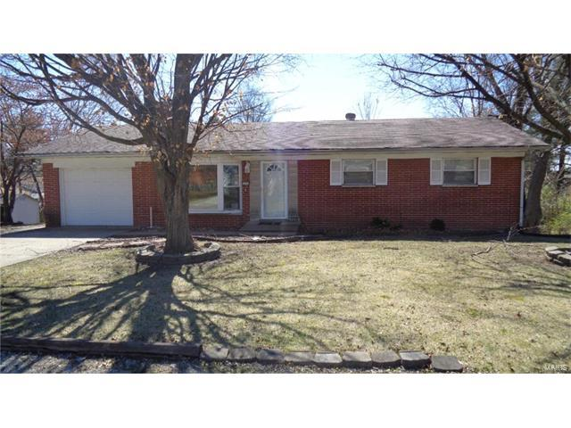 1212 Roger Avenue, Swansea, IL 62226 (#17064123) :: Holden Realty Group - RE/MAX Preferred