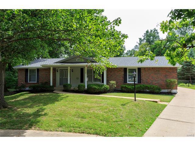 6 Springlake Court, Ballwin, MO 63011 (#17064254) :: The Becky O'Neill Power Home Selling Team
