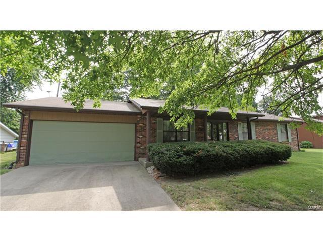 34 Village Drive, Swansea, IL 62226 (#17064499) :: Holden Realty Group - RE/MAX Preferred