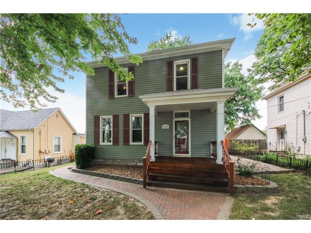 1027 S 4th Street, Saint Charles, MO 63301 (#17065196) :: Clarity Street Realty