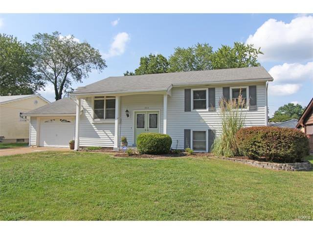 355 Fury, Fenton, MO 63026 (#17065453) :: The Becky O'Neill Power Home Selling Team