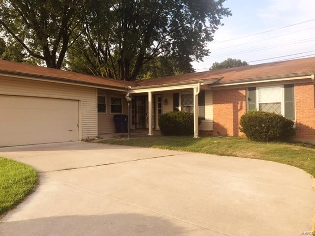 11730 New Halls Ferry, Florissant, MO 63033 (#17065462) :: Clarity Street Realty