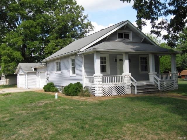 900 N Clinton Street, GILLESPIE, IL 62033 (#17065523) :: Clarity Street Realty