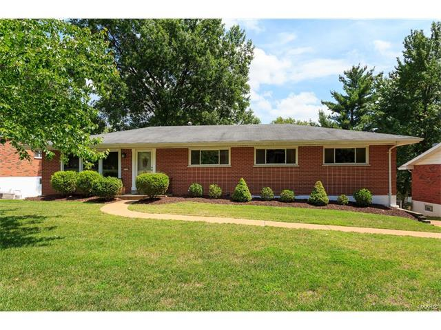 9122 Conser Court, St Louis, MO 63123 (#17066884) :: The Becky O'Neill Power Home Selling Team