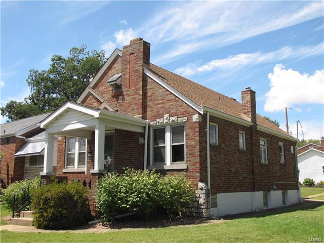 7101 S Grand Avenue, St Louis, MO 63111 (#17067022) :: The Becky O'Neill Power Home Selling Team